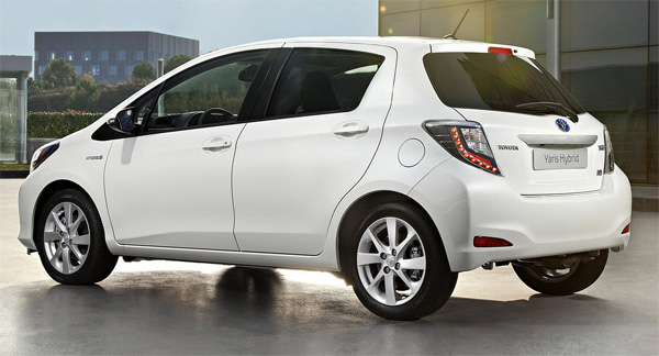 vits New Toyota Vitz 2013 Price in Pakistan, Specifications & Review