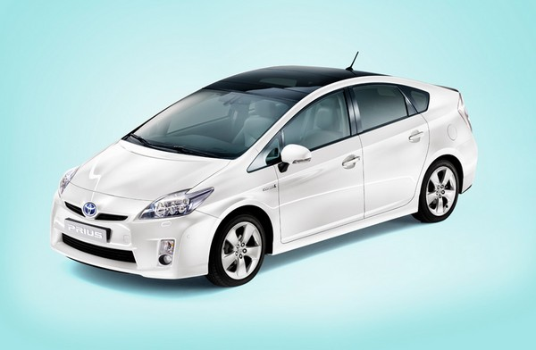 toyota prius 2013 price in pakistan pictures features review. Black Bedroom Furniture Sets. Home Design Ideas