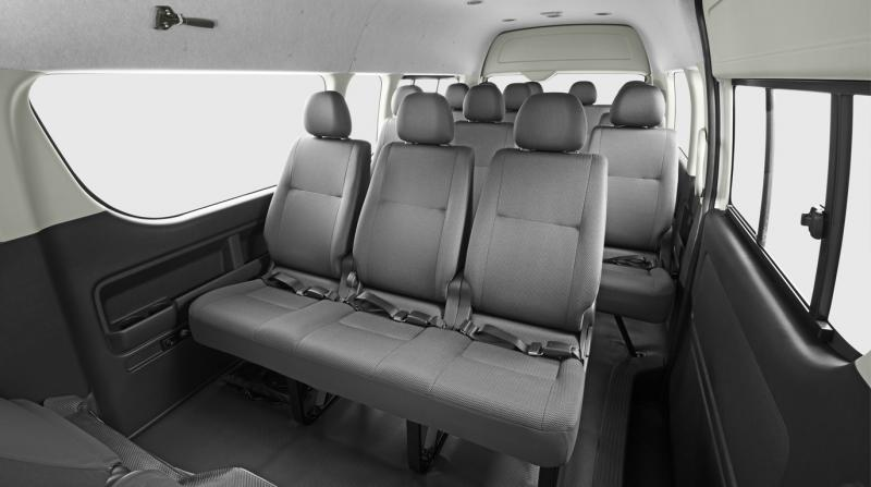 toyota-hiace-grade-commuter-2013-interior