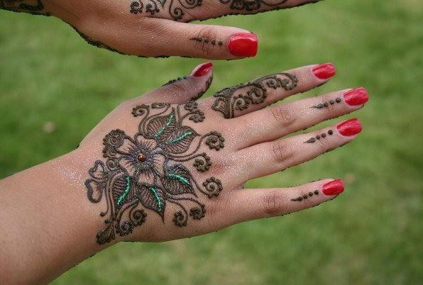 beautiful hand mehndi designs 2013 for girls 05 Fancy Hand Mehndi Designs For Women