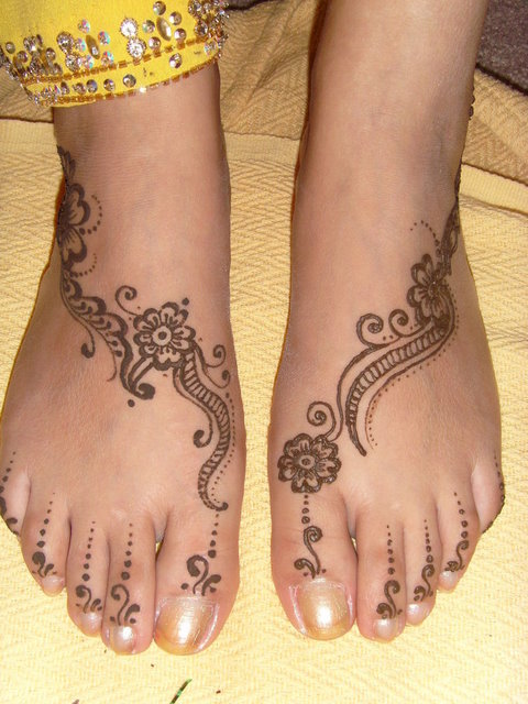 bridal Simple-Foot-Mehndi-Design 2013