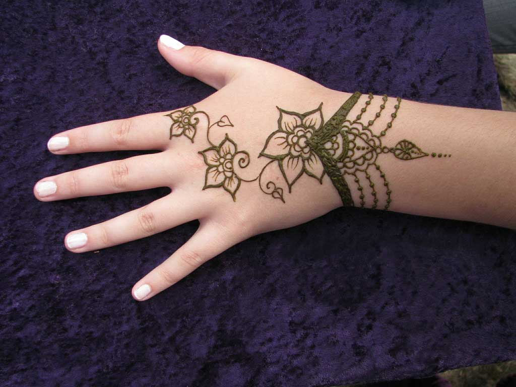 Mehndi Designs New Simple : Mehndi designs simple