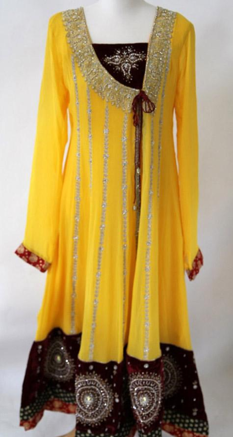 New Frock Designs in Pakistan http://ladiespk.com/new-design-of-angrakha-frocks-in-pakistan-angarakha-style/
