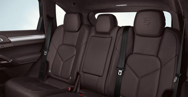 2013-porsche-cayenne-s-hybrid-Inside
