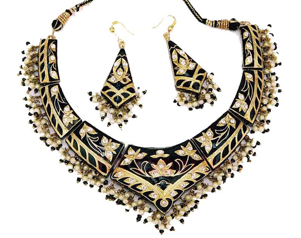 Pradeep_lac_necklace_earrings_2013 India