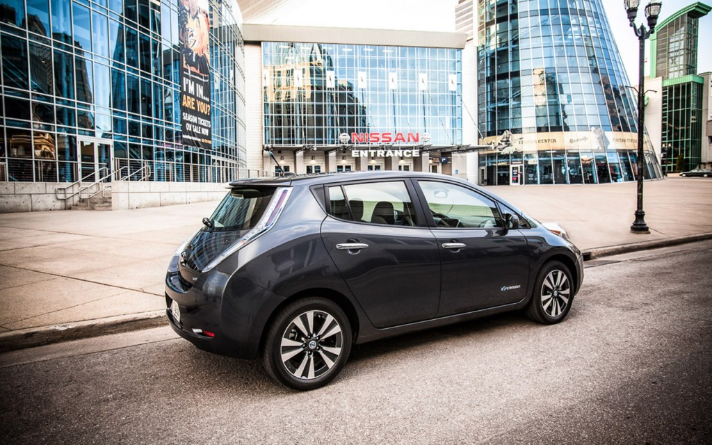 2013-Nissan-Leaf-.