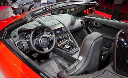 2014-jaguar-f-type-interior-photo