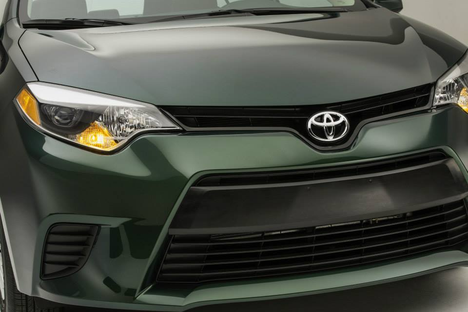 2014 toyota corrolla front 2014 Toyota Corolla Price in Pakistan & New Features