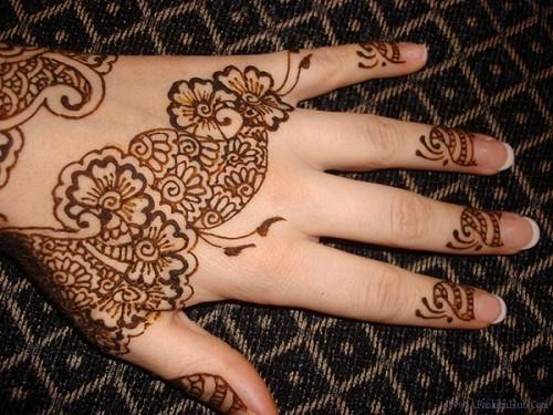 Simple Arabic Eid ul Fitr 2013 Mehndi Designs For Hands