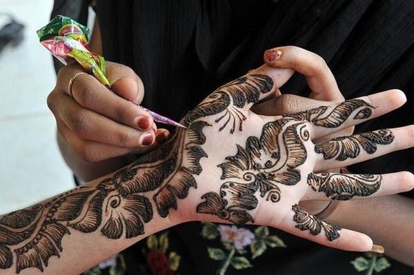 New-Mehndi-Designs-2014-Mehndi-Designs-For-Girls- Hands