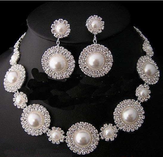 Necklace Earrings Design 2014 for Women Girls in Pakistan