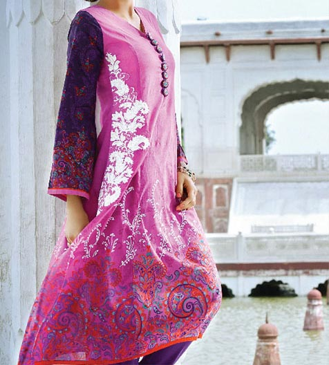 Alkaram Lawn Eid Collection 2014 Catalogue for Women Girls   Price Rs. 2,000