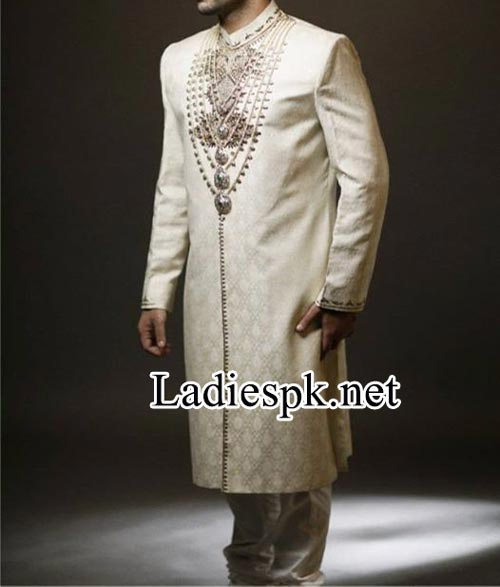 Designer--Ahsan-Hussain-Sherwani-Couture-2014-Fashion-collection-facebook
