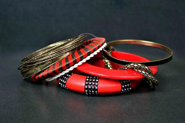 Metro-Eid-Jewellery--Designs-Collection-2014-For-Women-Bangles-Karay-For-Girls