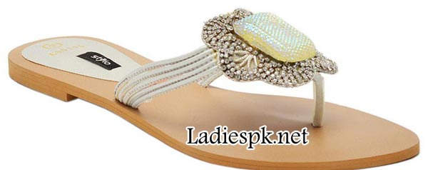 Stylo-Shoes-Eid-Collection-2014-for-Women-&-Girls-with-Prices-Silver-Flat-Fancy-Chappal-(L85196)-PKR-1490